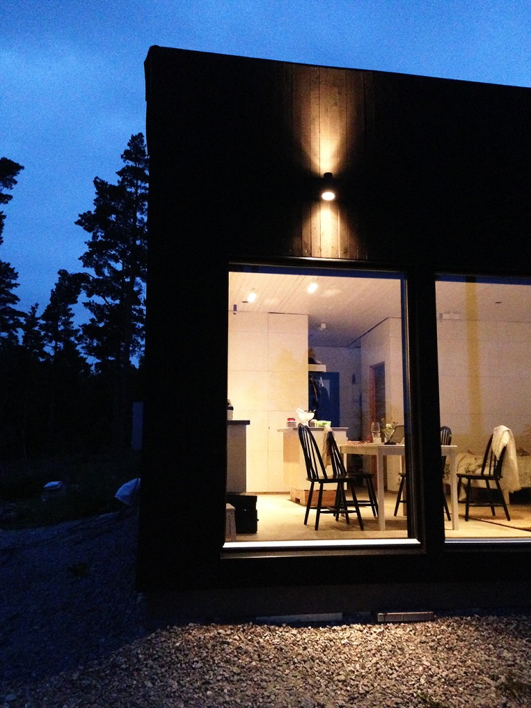 smallhouse_dark_1